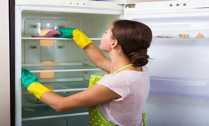 CleaningFridge 1